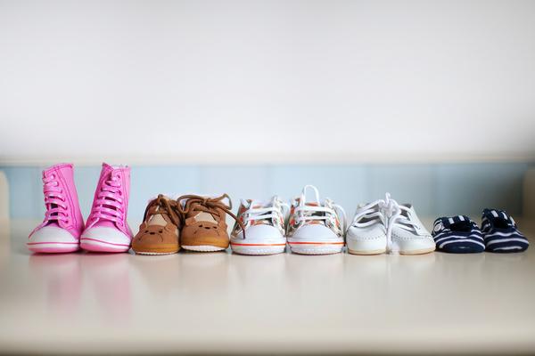 Ce incaltaminte trebuie sa poarte copiii?