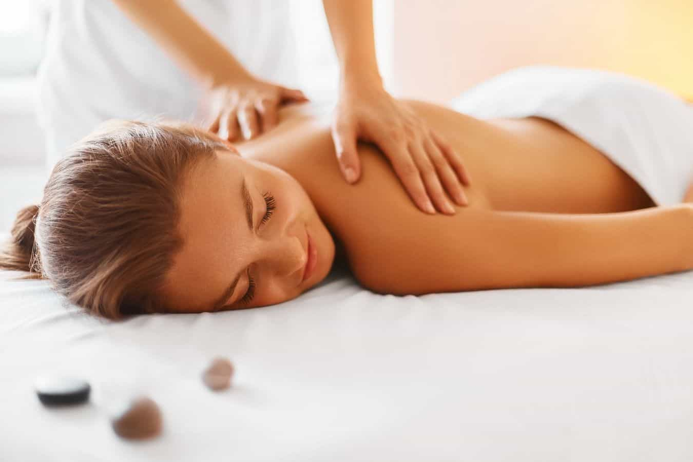 Ce diferenta exista intre masajul terapeutic si masajul de relaxare?