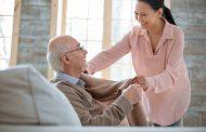De ce este benefic ca suferinzii de cancer sa traiasca in camine de batrani?