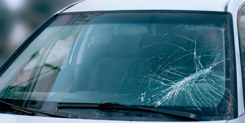 La ce riscuri va expuneti cand conduceti cu parbrizul crapat?