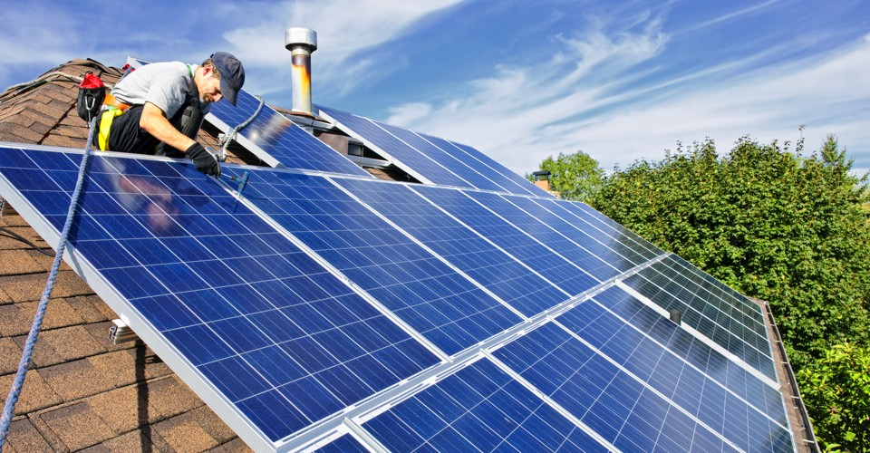 Ce avantaje au panourile solare?