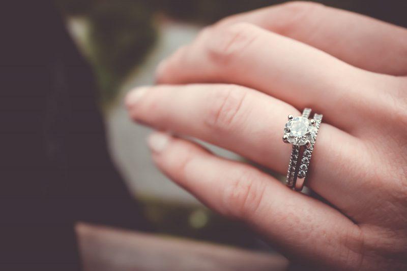 De ce sa alegi un inel de logodna din argint?