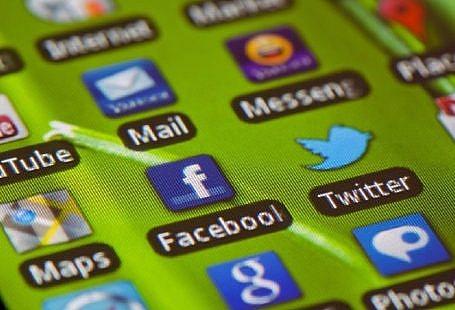 Cum alegi cele mai bune aplicatii pentru telefonul tau, indiferent de model?