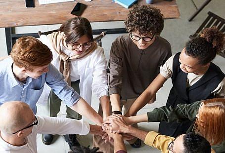 Cum sa construiești relații profesionale bune?